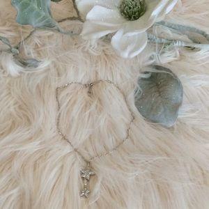 STUNNING 💞SWAROVSKI 💞crystal silver necklace
